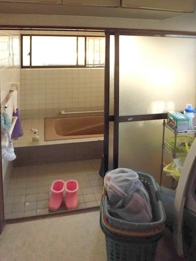 洗面所から浴室・工事前