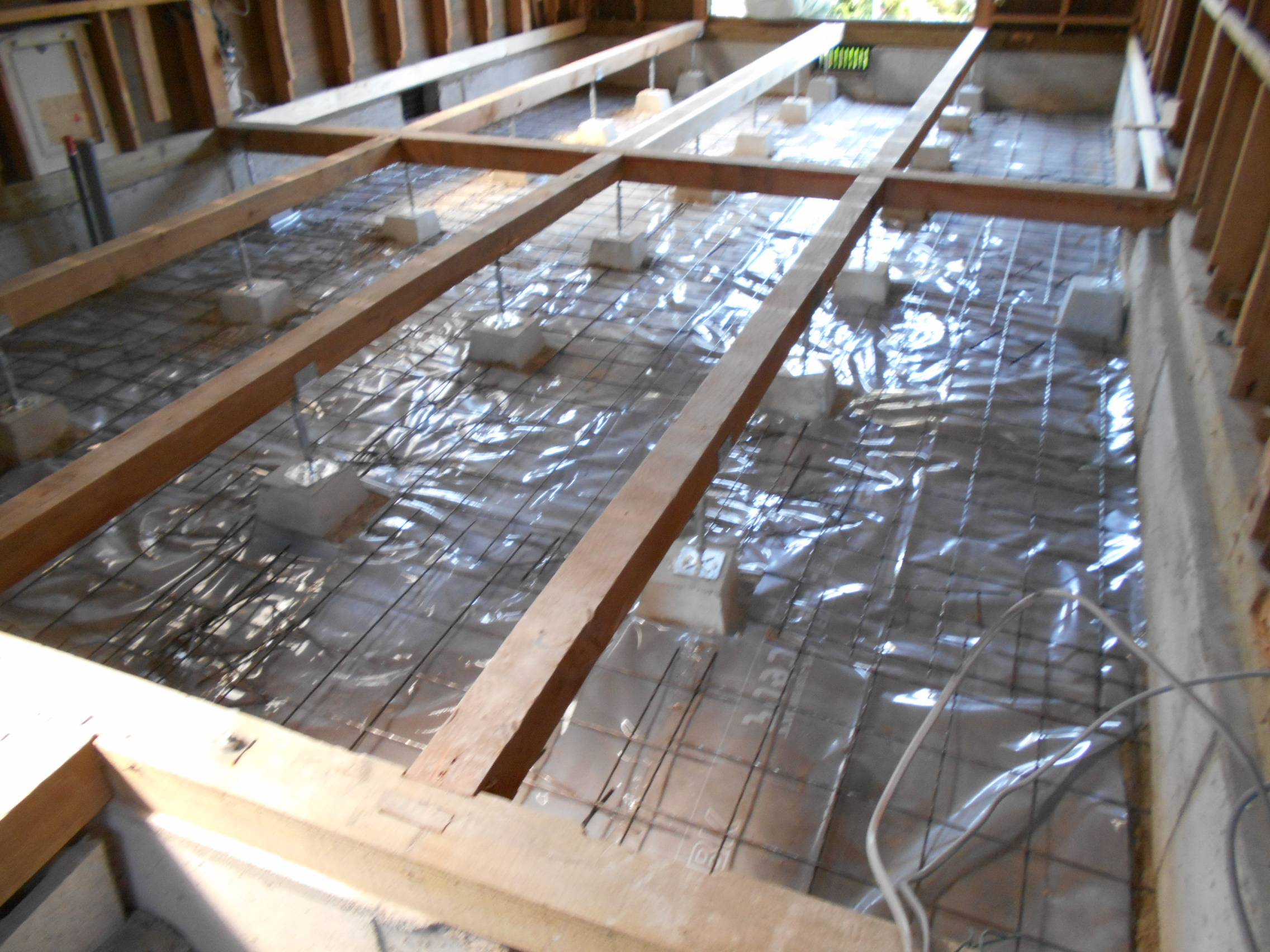 ②土間防湿コンクリート打設前