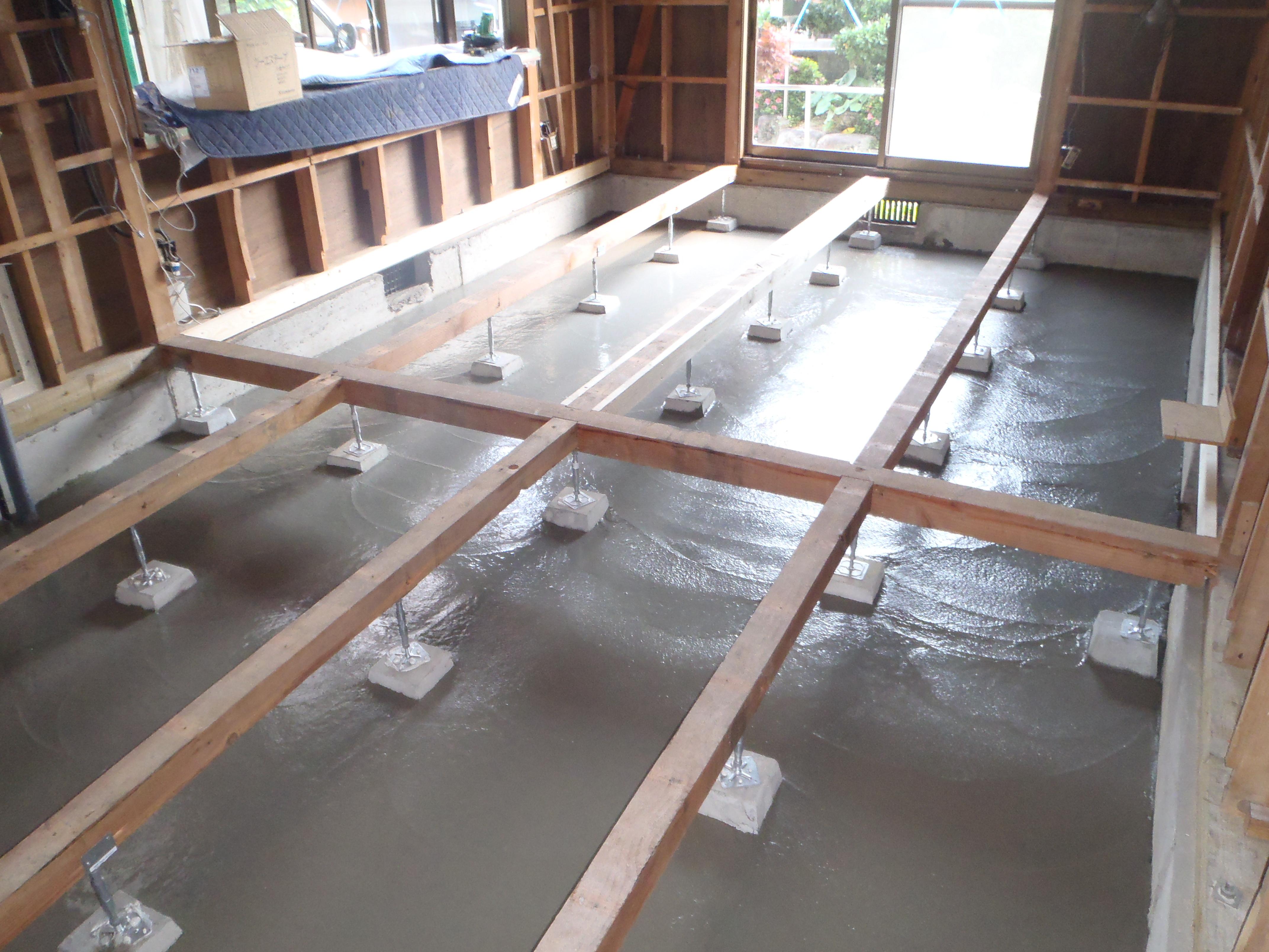 ③防湿コンクリート打設後