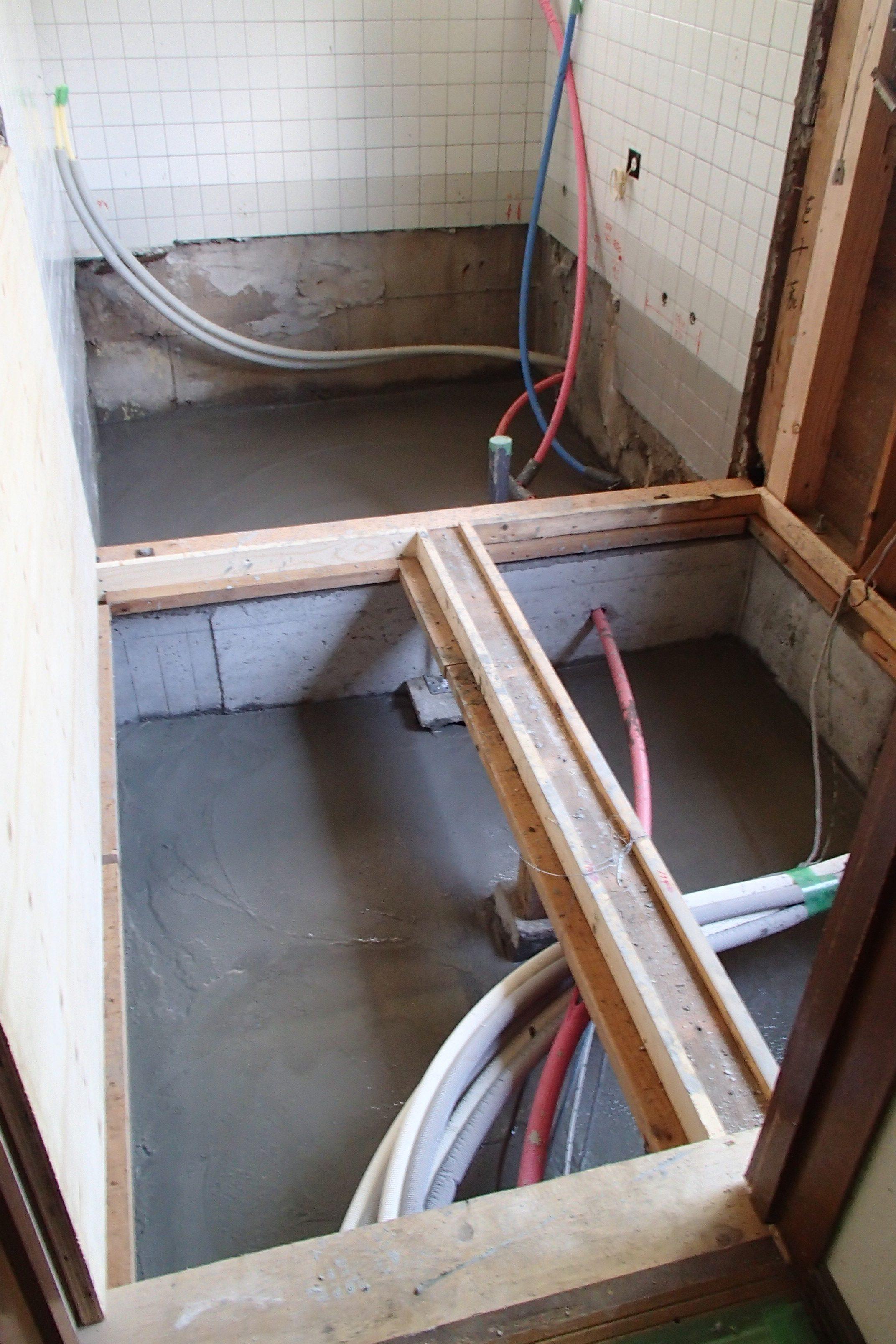 ❷配管後、防湿コンクリート打設
