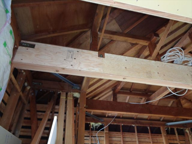 3.柱撤去後の梁補強(両面構造用合板貼り)