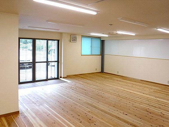 無垢のフローリング-事務室